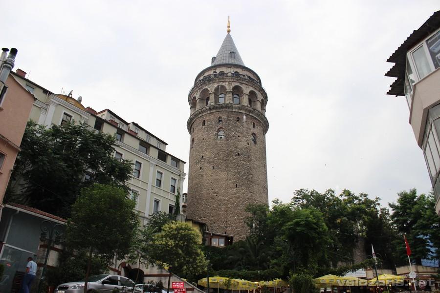 Oblegana przez turystów Wieża Galata
