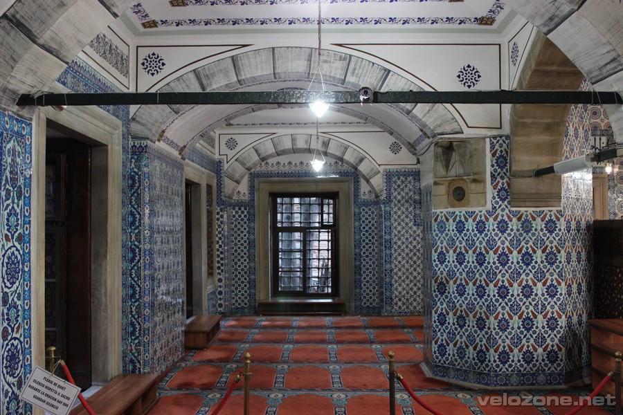 W meczecie Rüstema Paszy