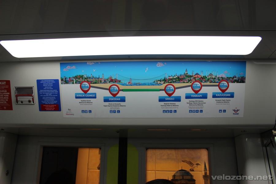 W metrze Marmaray