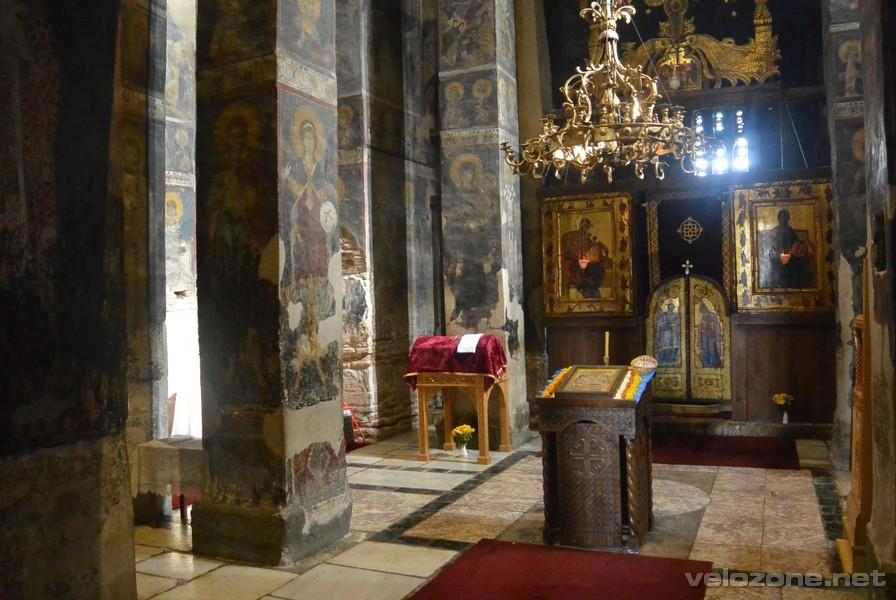 Wewnątrz cerkwi